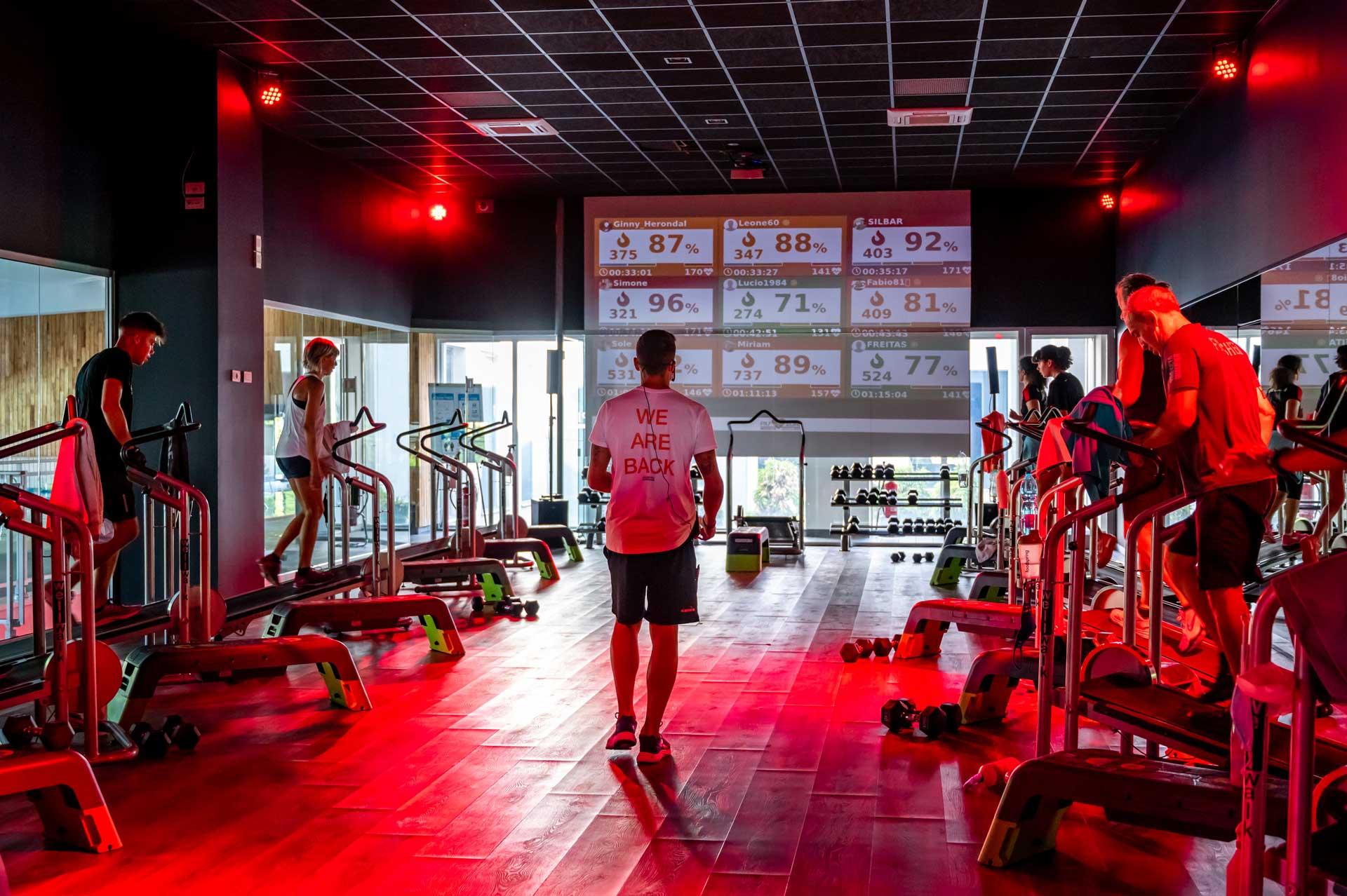 Trainer e clienti corso intenso
